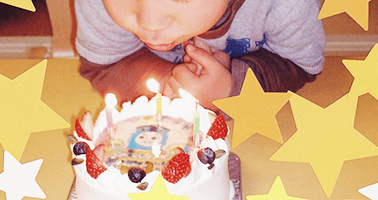 キャラクターでびっくりさせたいお誕生日ケーキ